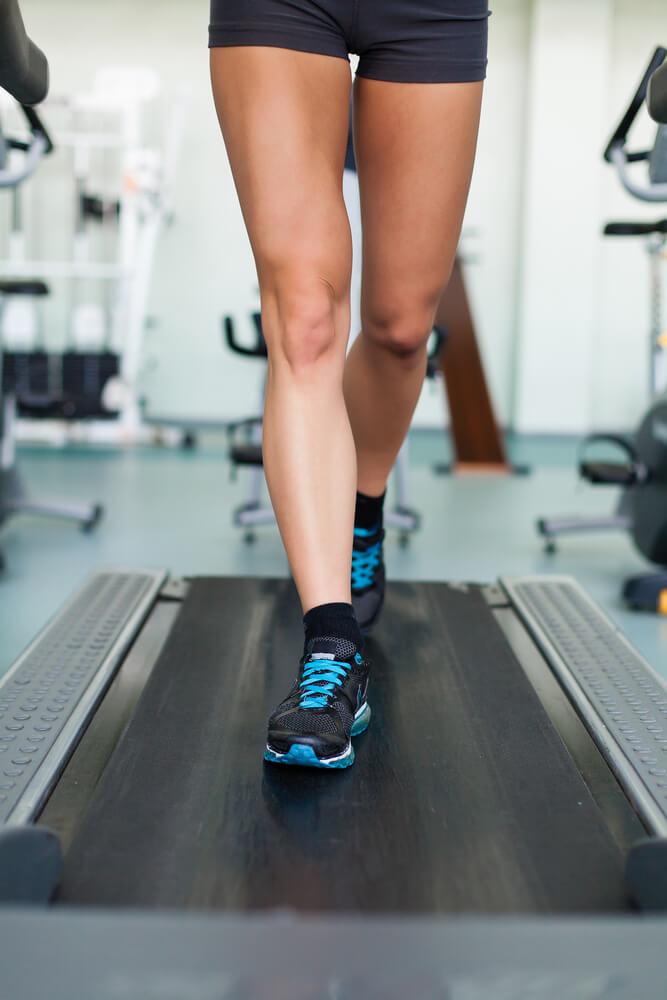 Que ejercicios puedo hacer en casa para adelgazar las piernas