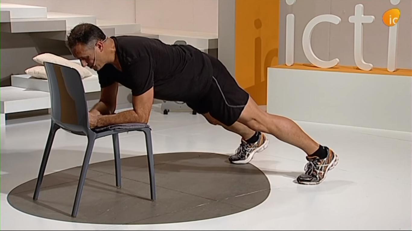 Jordi Bertran realizando ejercicio funcional para ponerse en forma