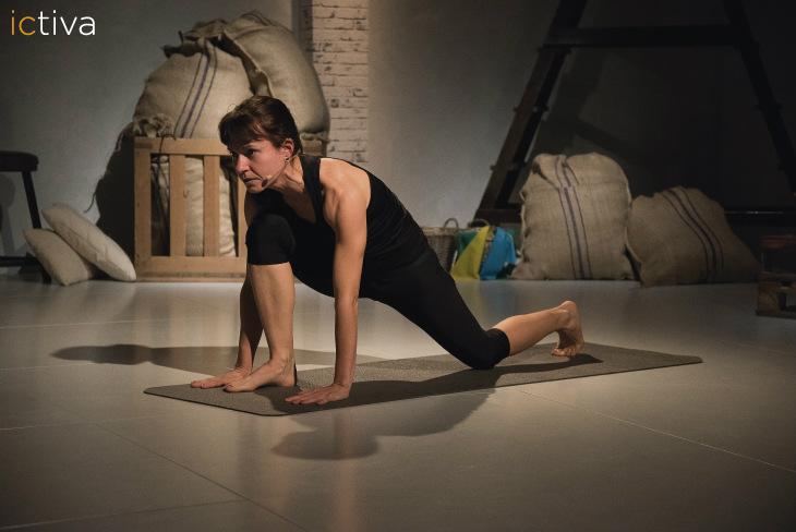 Es-tendencia-hacer-yoga-en-casa