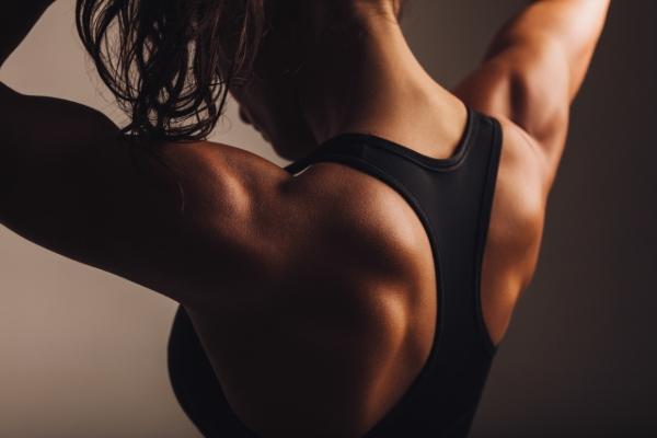 Ejercicios para la espalda sin material, aprende cómo se hacen