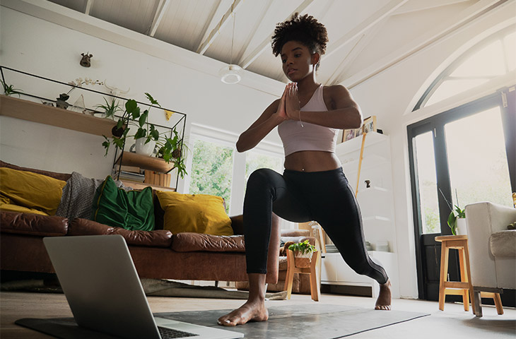 posturas de yoga para fortalecer los glúteos